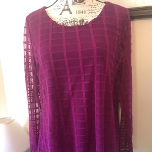 Beautiful blouse super soft and flowy size L